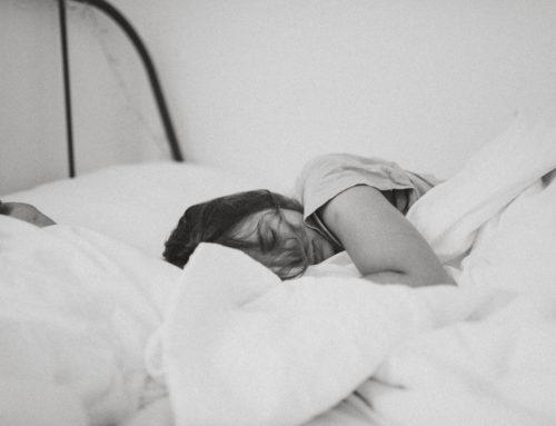 Waarom ouders niet moeten zeuren als hun tiener uitslaapt